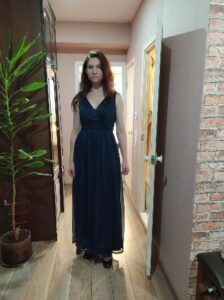 V-Neck Sleeveless Floor-Length Party Gown photo review